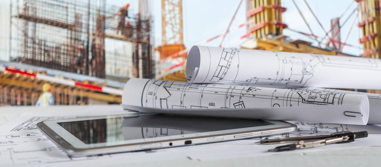 Immobilien-Investor auf Baustelle